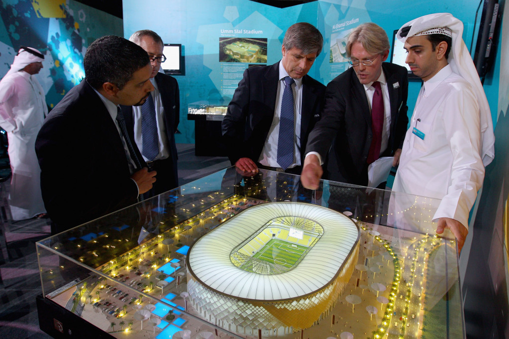 Harold Mayne-Nicholls, centre, on an inspection visit to Qatar ©Getty Images