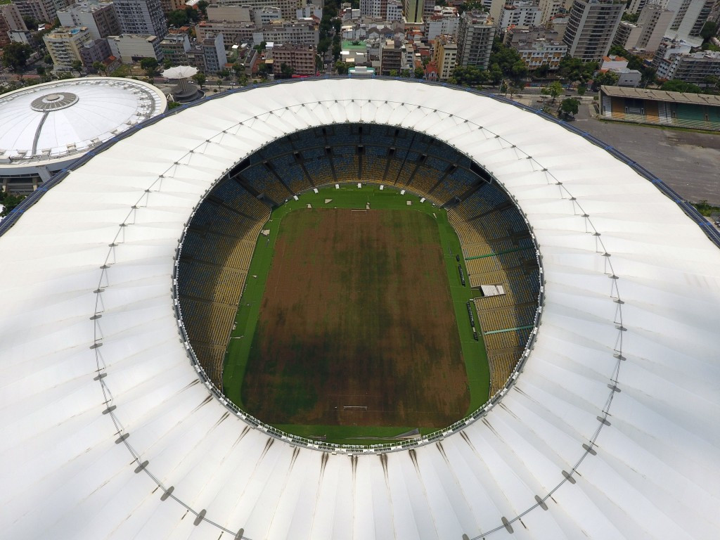 Rio de Janeiro will enjoy the legacy benefits of hosting the 2016 Olympics and Paralympics, despite the problems so far at the Maracanã Stadium and other venues, Thomas Bach has predicted ©Getty Images