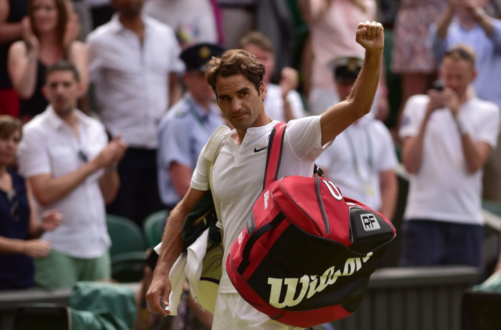 Federer rolls back the years to destroy British hopes and reach 10th Wimbledon final