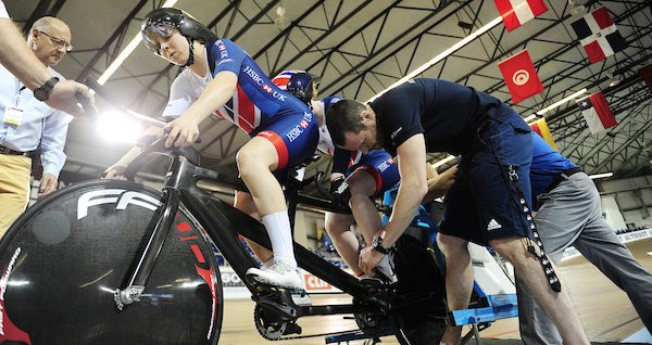 Thornhill and Hall lead British tandem charge at UCI Para-Cycling Track World Championships