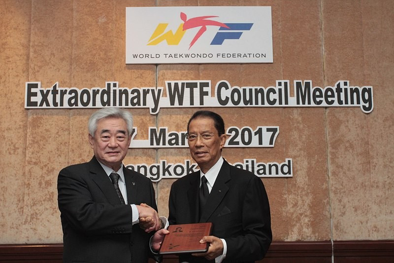 IOC member Nat Indrapana was awarded an appreciation plaque ©WTF