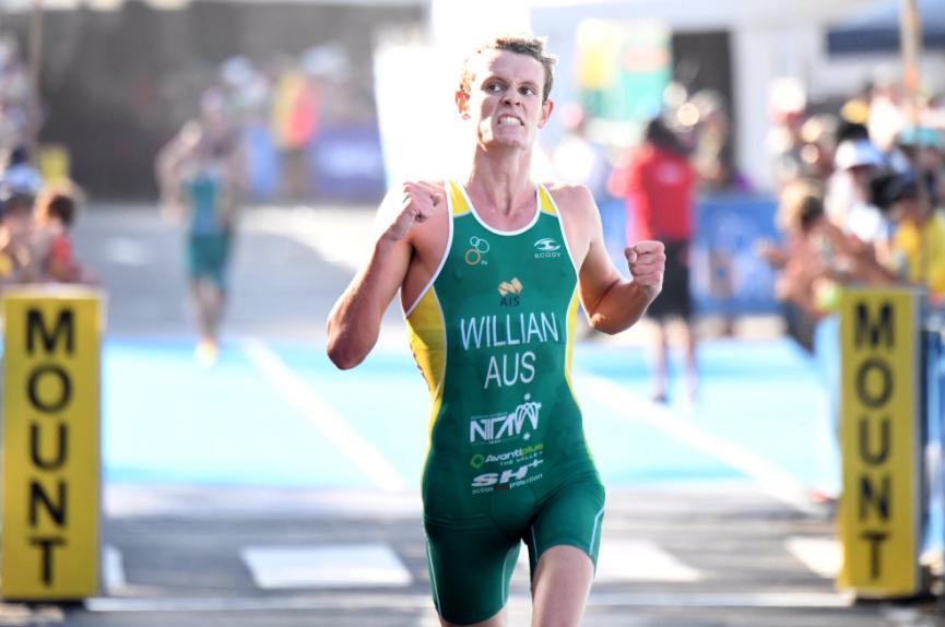 Luke Willian won the men's race on home soil ©ITU
