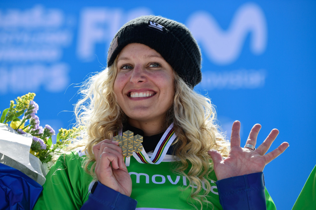 The United States' Lindsey Jacobellis claimed her fifth global crown in women's snowboard cross today ©Getty Images