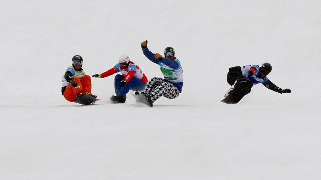 First team snowboard cross event at World Championships won by France and US