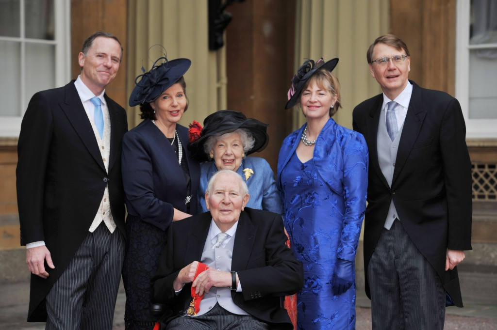 Sir Roger Bannister, front, with his family after receiving Companion of Honour at Buckingham Palace last month ©Getty Images