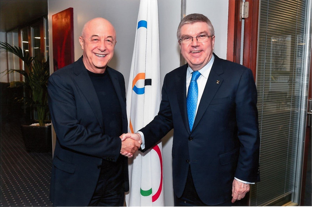 Sabatino Aracu, left, meeting IOC President Thomas Bach, said the decision came after years of work ©FIRS