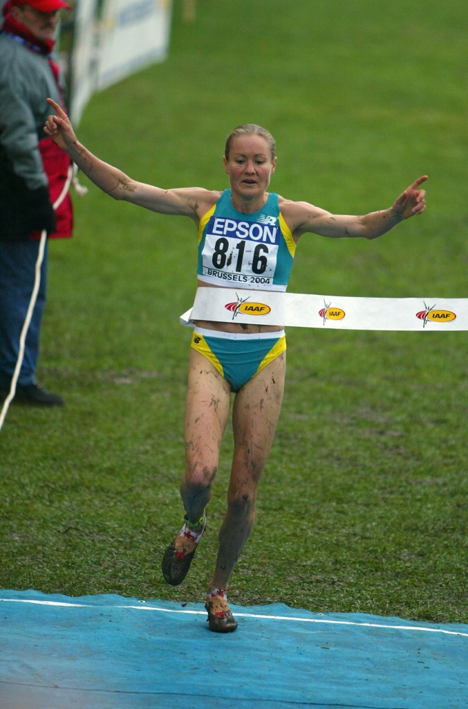 Australia's Benita Johnson was the last non-African winner of the women's title in the IAAF World Cross Country Championships, at Brussels in 2004 ©Getty Images