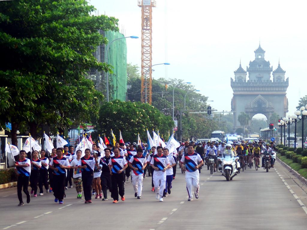 "Vientiane has staged the third leg of the Kuala Lumpur 2017 ""Rising Together"" Baton Run ©Kuala Lumpur 2017"