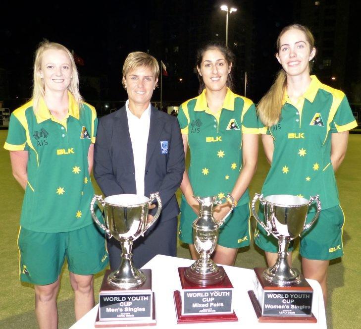 World Bowls director Karen Murphy, second left, with former youth champions Ellen Ryan, Kristina Krstic and Chloe Stewart ©World Bowls