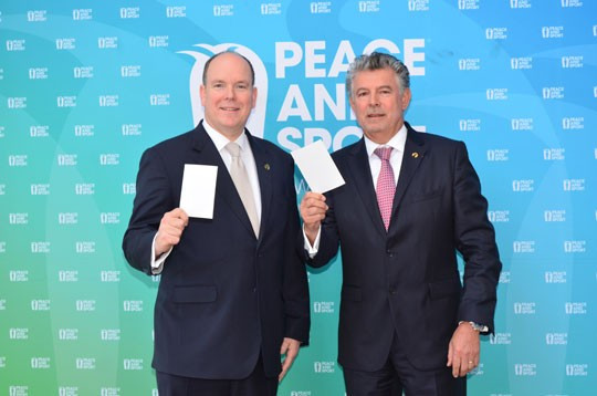 Through the use of a universal #WhiteCard Peace and Sport has been able to turn millions of people into ambassadors for peace ©Getty Images