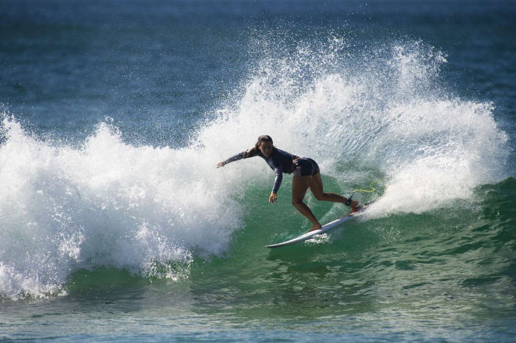 Brazil and france name teams for isa world surfing games for Interieur sport johanne defay