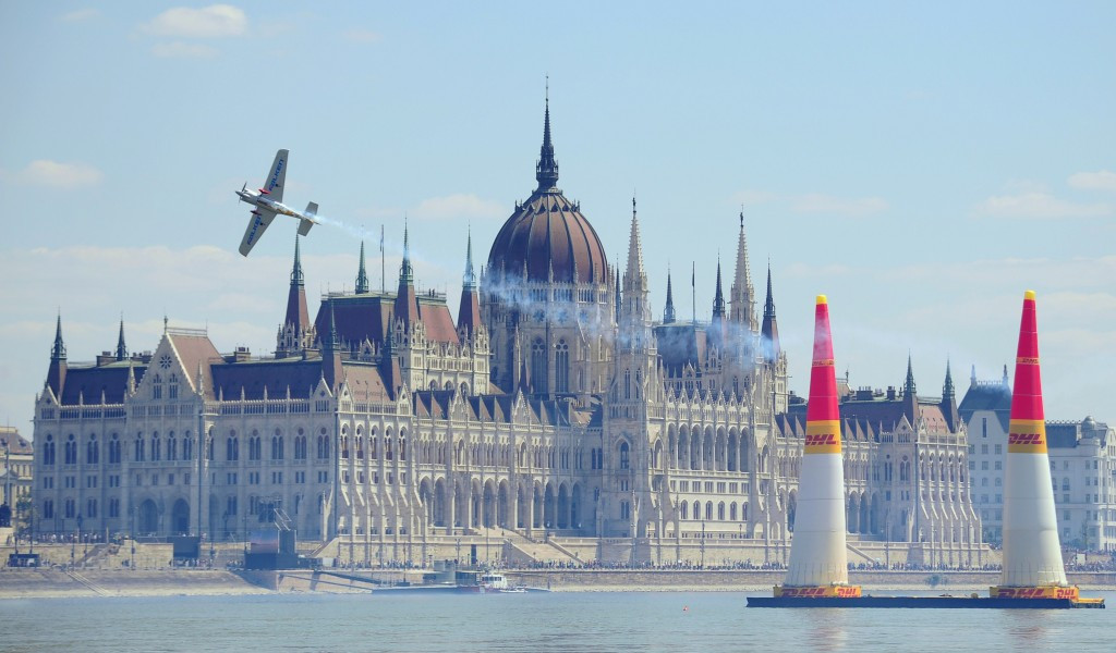 """Budapest bid will accelerate development of city by """"decades"""", officials claim"""