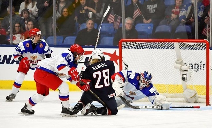 Amanda Kessel opened the scoring for the United States as they defeated Russia 7-0 ©IIHF