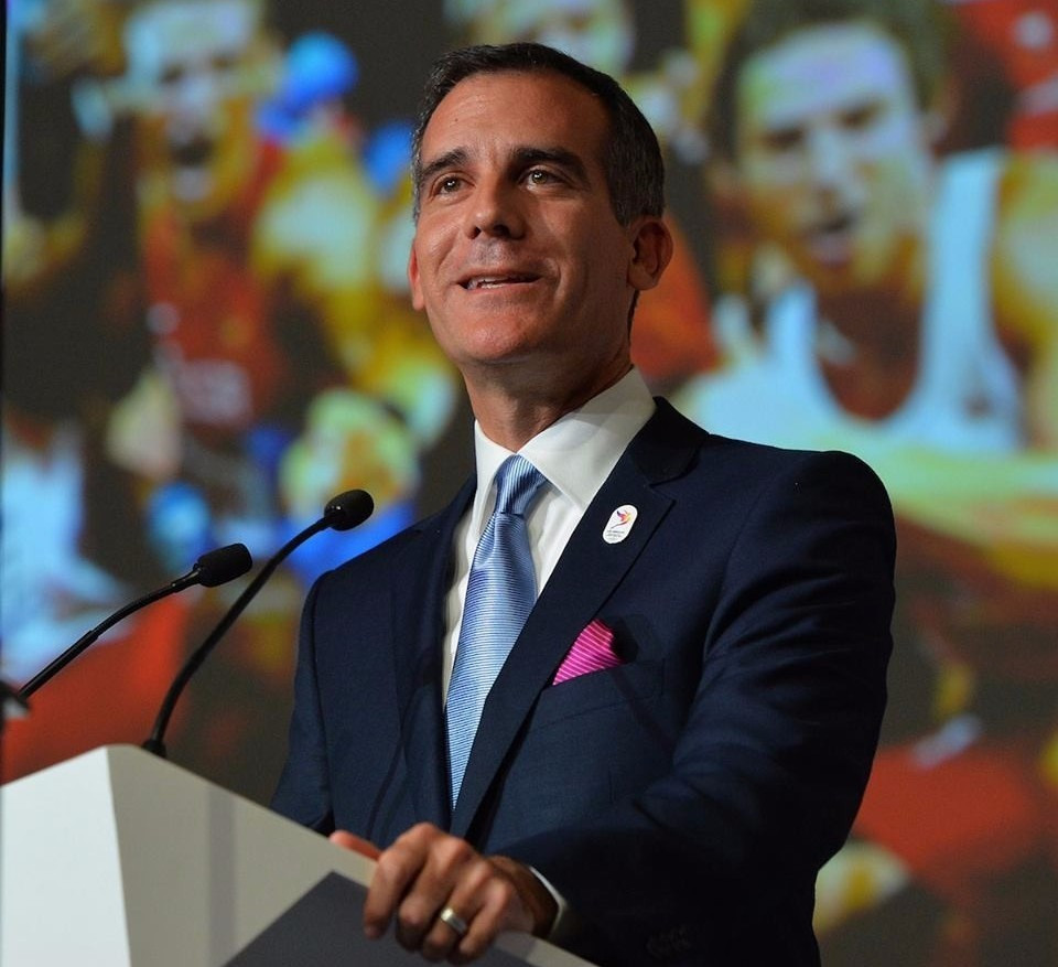 Los Angeles Mayor Eric Garcetti claims that US President Donald Trump is backing the city's bid for the 2024 Olympic and Paralympic Games, despite their political differences ©Getty Images