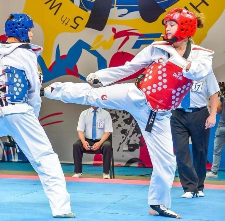 Amy Truesdale, right, has trained with her compatriot and double Olympic champion Jade Jones ©GB Taekwondo