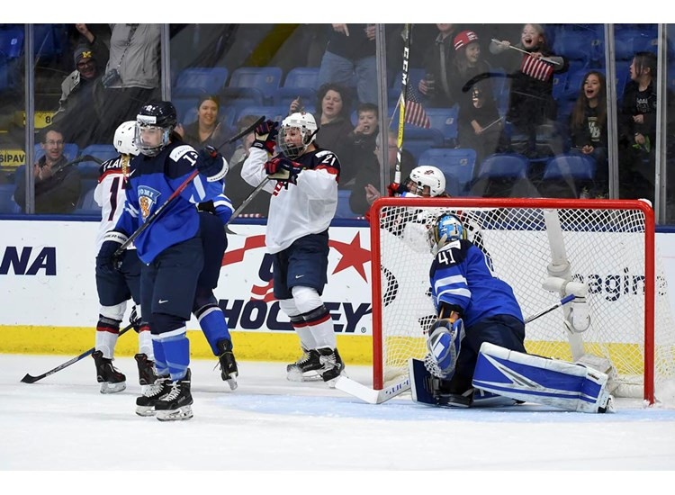 Hilary Knight celebrates after scoring the first of two goals for the United States against Finland ©IIHF