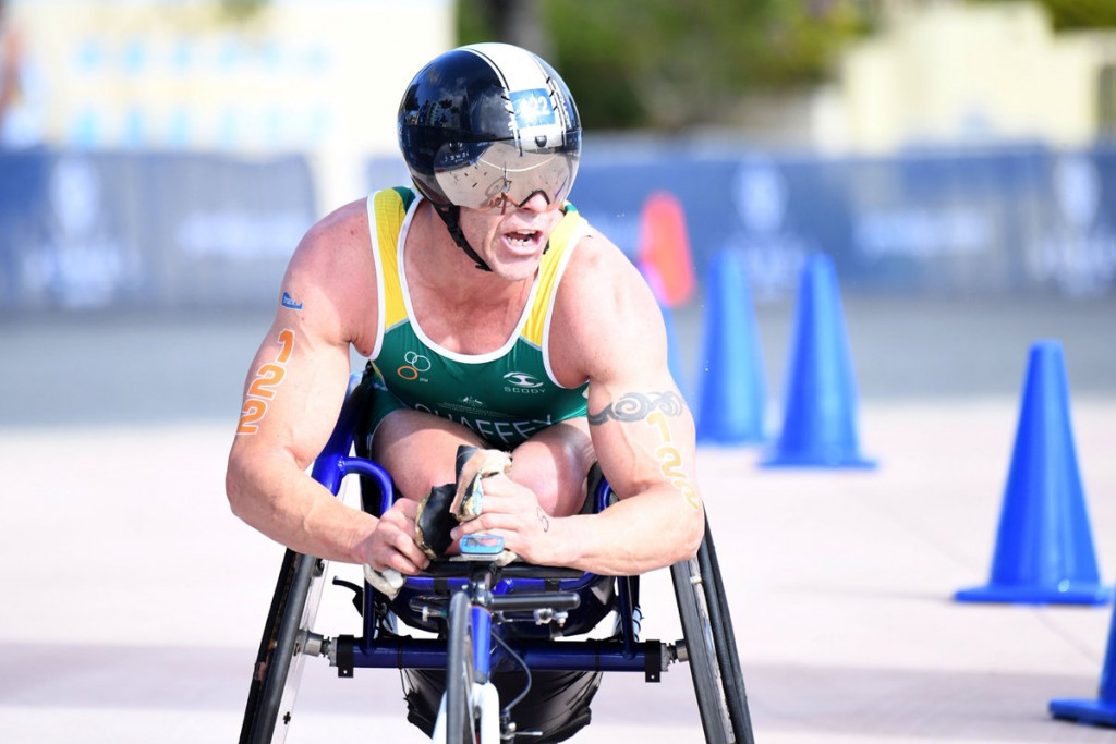 A second place finish in the men's hand-cycling race was enough for Bill Chaffey to qualify for Gold Coast 2018 ©Triathlon Australia