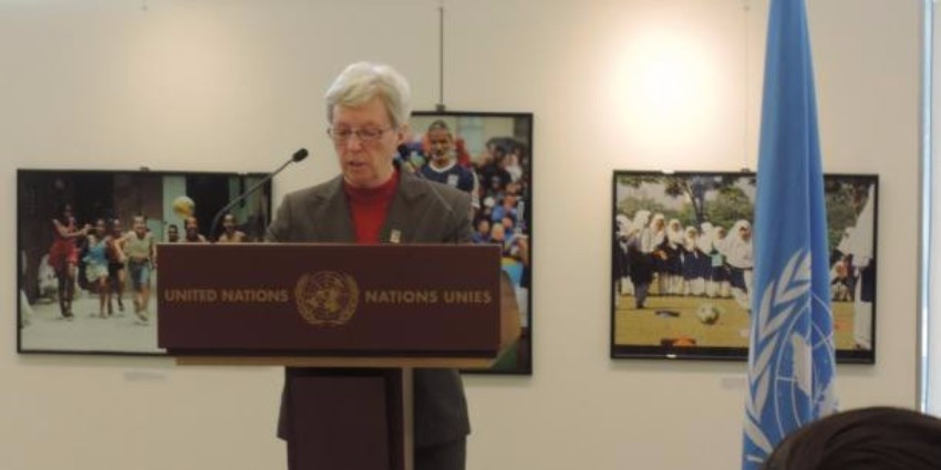 IWBF secretary general Maureen Orchard speaking at the event in Geneva ©IWBF