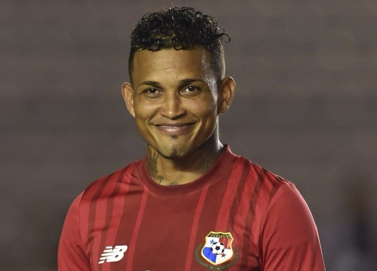 Tributes paid after Panama footballer Henríquez is shot dead