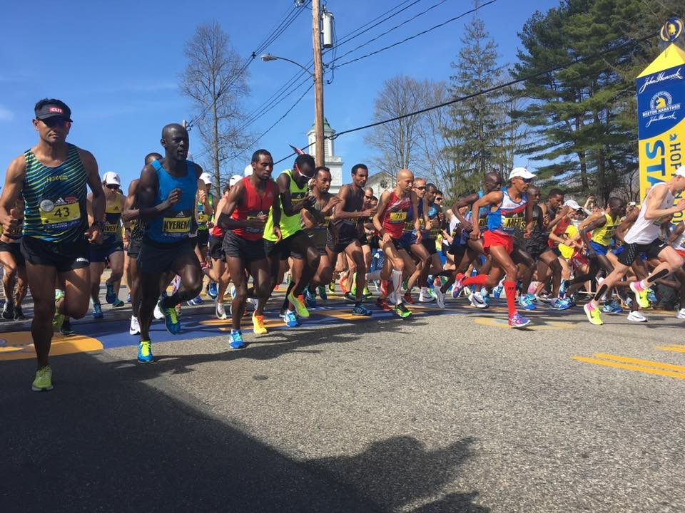 Runner begin racing in bright sunshine at Boston  ©Boston Marathon/Facebook