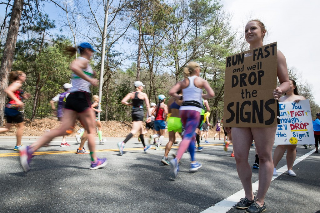 Supporters encourage runners during the Boston Marathon  ©Getty Images
