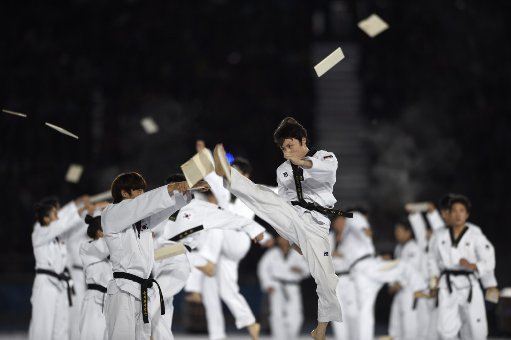 Soldiers take part in taekwondo camp in South Korea