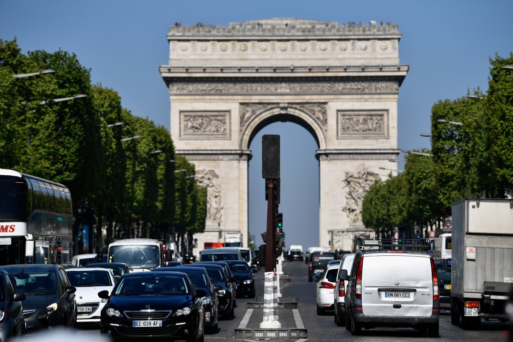 Paris 2024 have praised the efforts of security services after a policeman was shot dead and two others wounded in a gun attack on the Champs-Élysées ©Getty Images