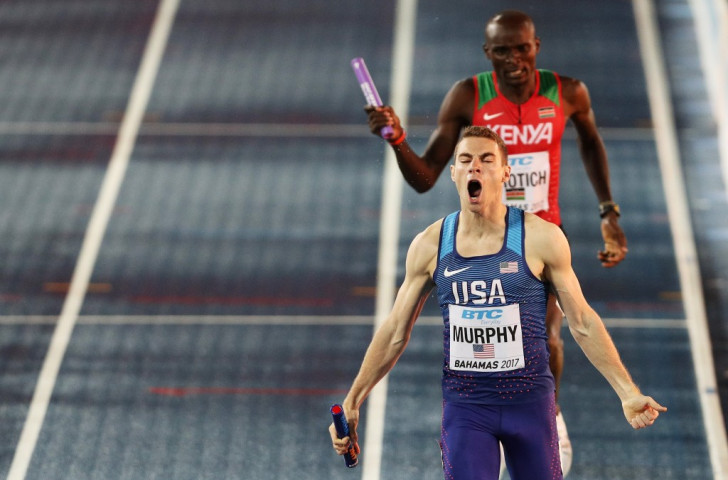 America's Clayton Murphy brings the baton home in the 4x800m ahead of Kenya ©Getty Images for the IAAF
