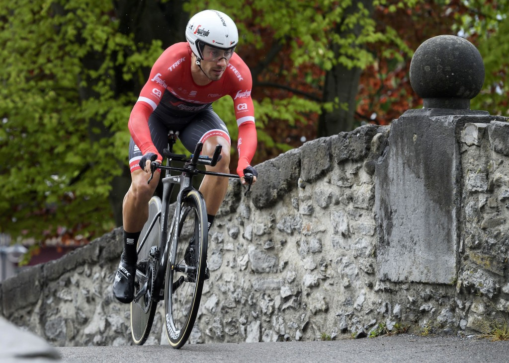 Italy's Felline wins Tour of Romandie prologue and dedicates success to compatriot Scarponi