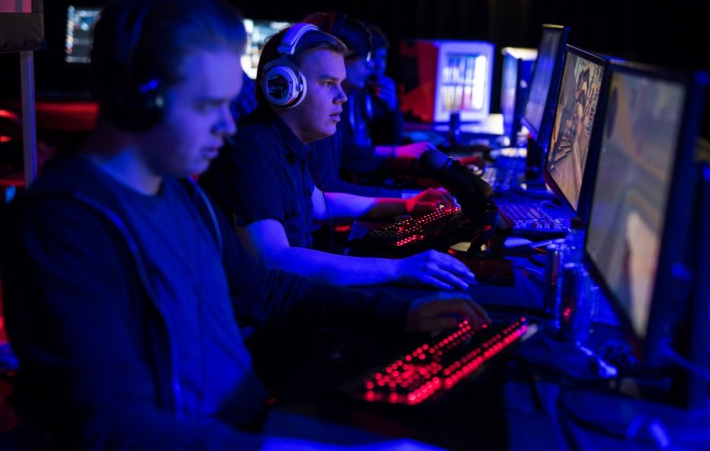 Thomas Bach has expressed reservations about having e-sports at the Olympics ©Getty Images