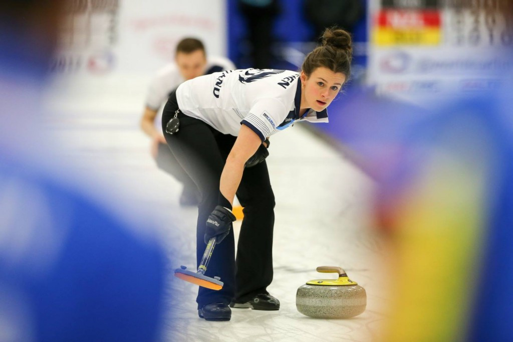 Trio complete World Mixed Doubles Curling Championship group stage undefeated