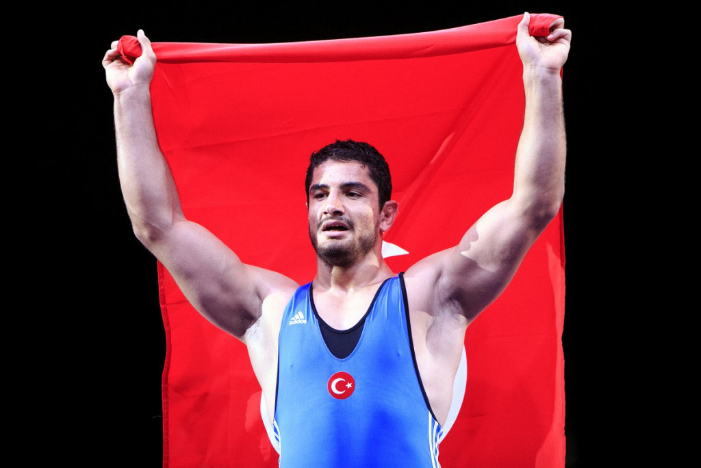 Turkey's Akgul reclaims crown at European Wrestling Championships