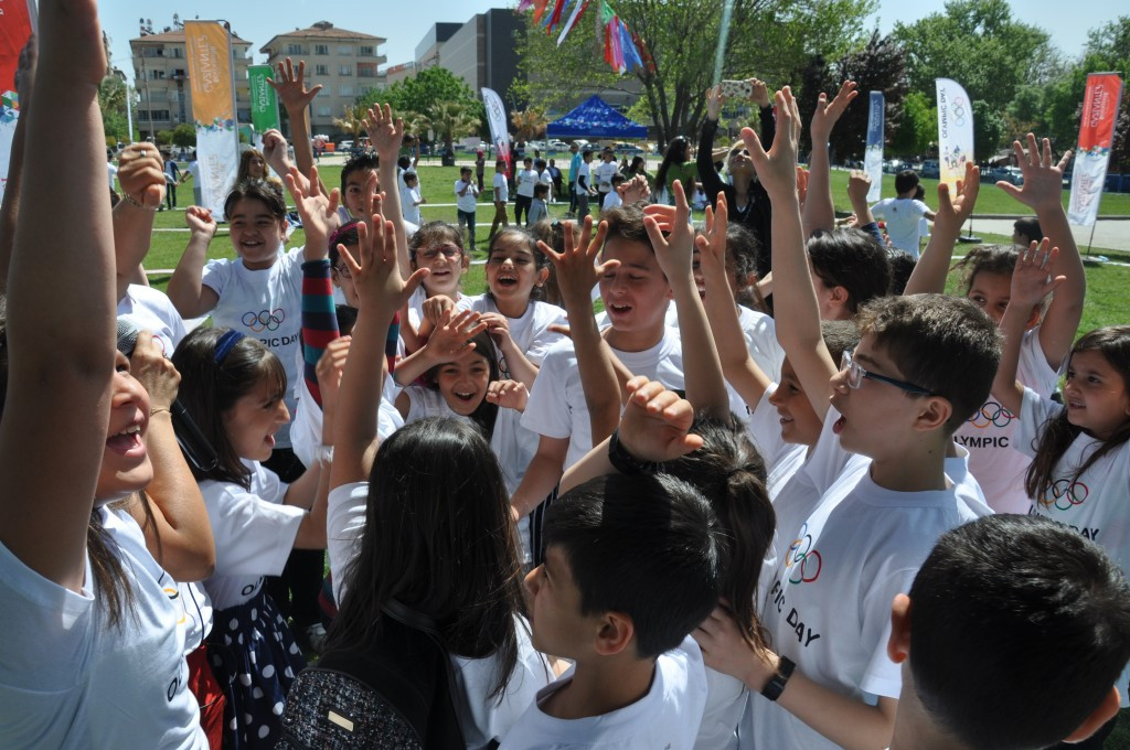 TOC begin Olympic Day celebrations with hundreds of youngsters in Gaziantep