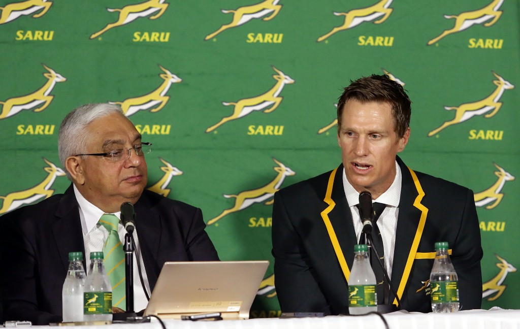SA Rugby President Mark Alexander, left, has vowed to submit an outstanding bid ©Getty Images