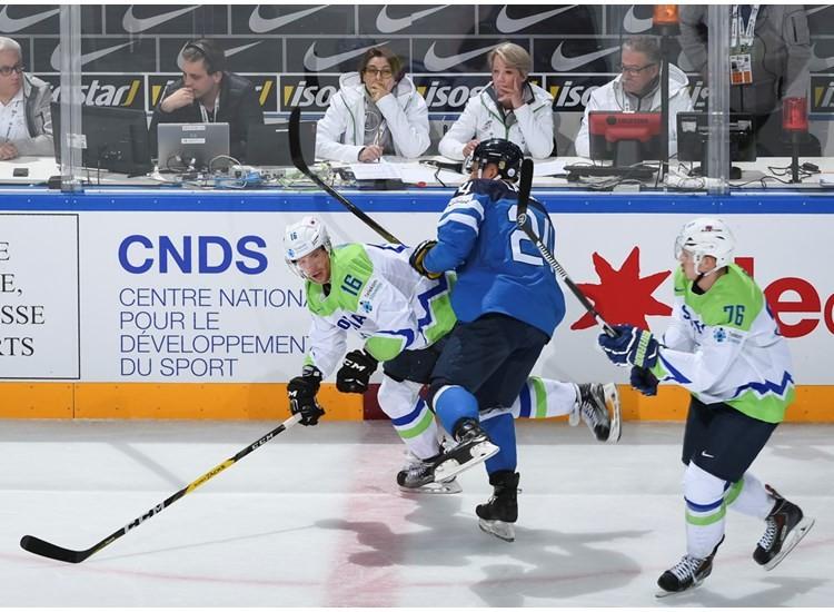 Finland beat Slovenia 5-2 in Paris this evening ©IIHF