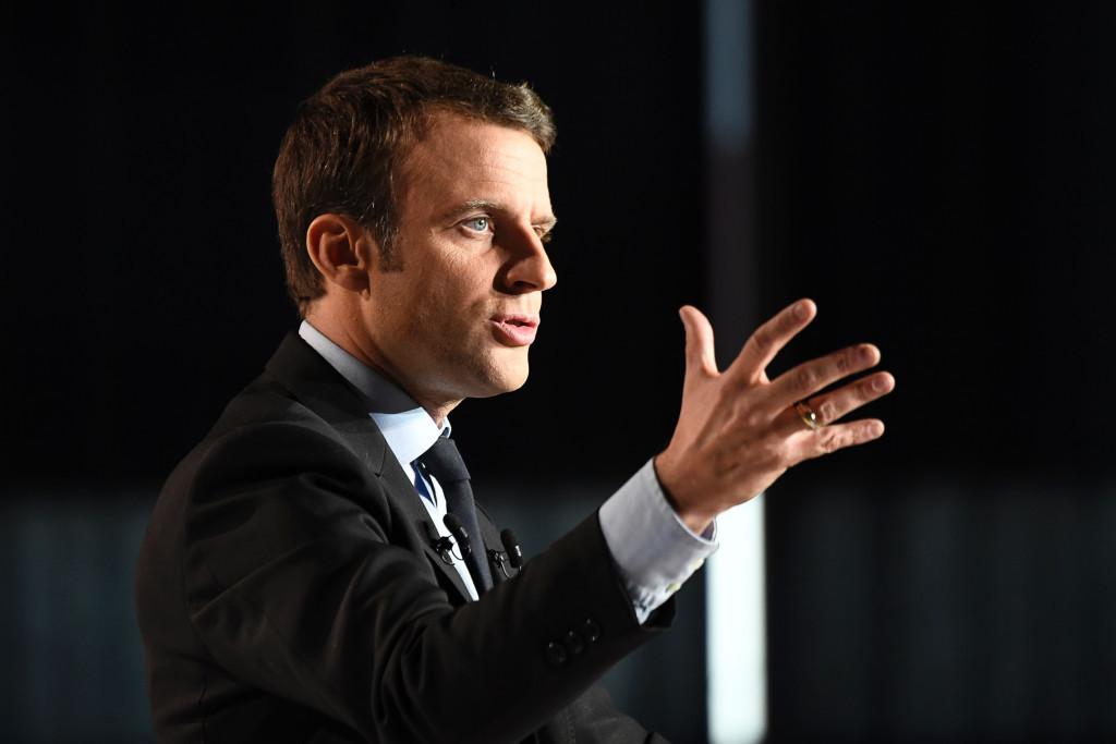 Macron pledges Paris 2024 support to IOC President Bach