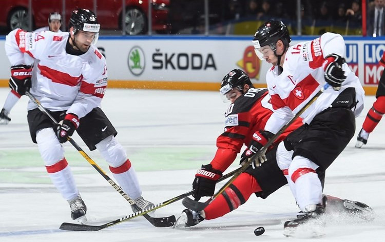 Switzerland staged an incredible comeback to beat Canada in Paris this evening ©IIHF