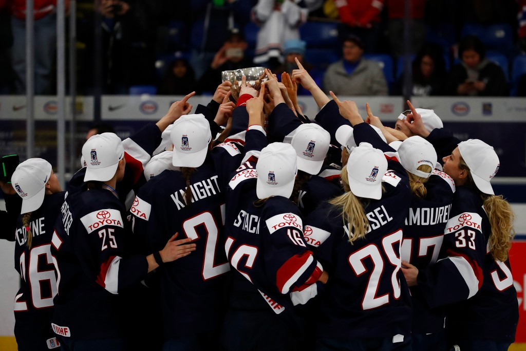 Women's ice hockey squad win team prize in USOC's monthly awards
