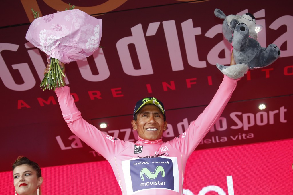 Quintana takes lead in Giro d'Italia after police bike causes major pile-up