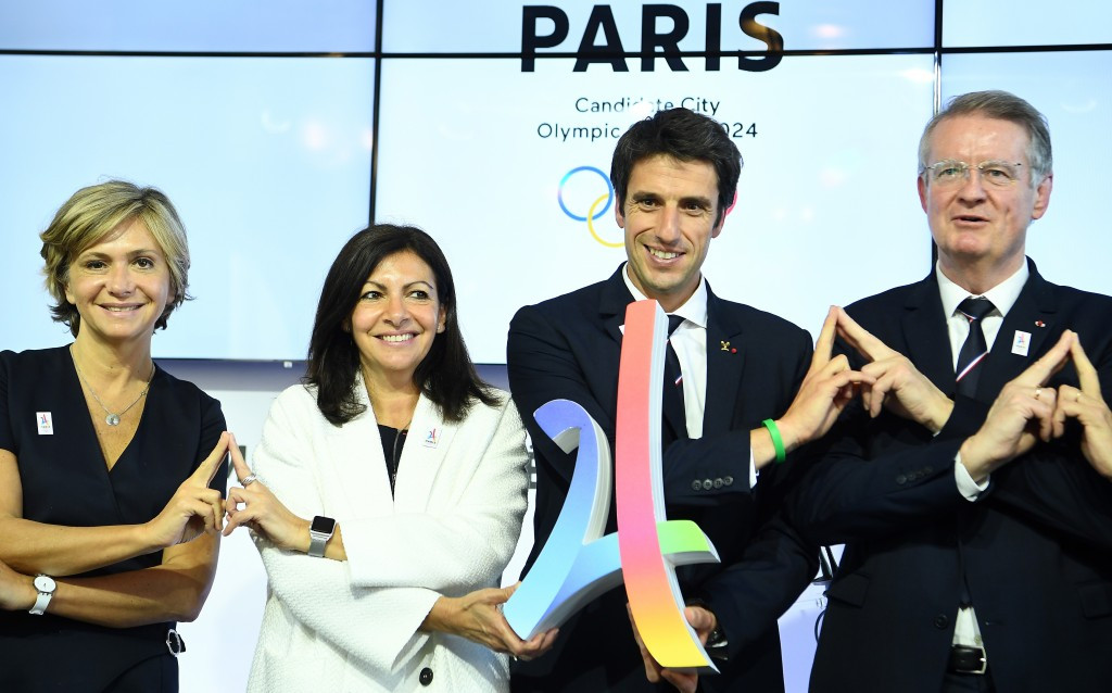 French President of the Ile de France region, Valerie Pecresse, Mayor of Paris Anne Hidalgo and co-bid leaders Tony Estanguet and Bernard Lapasset, left to right, show support for Paris 2024 ©Getty Images