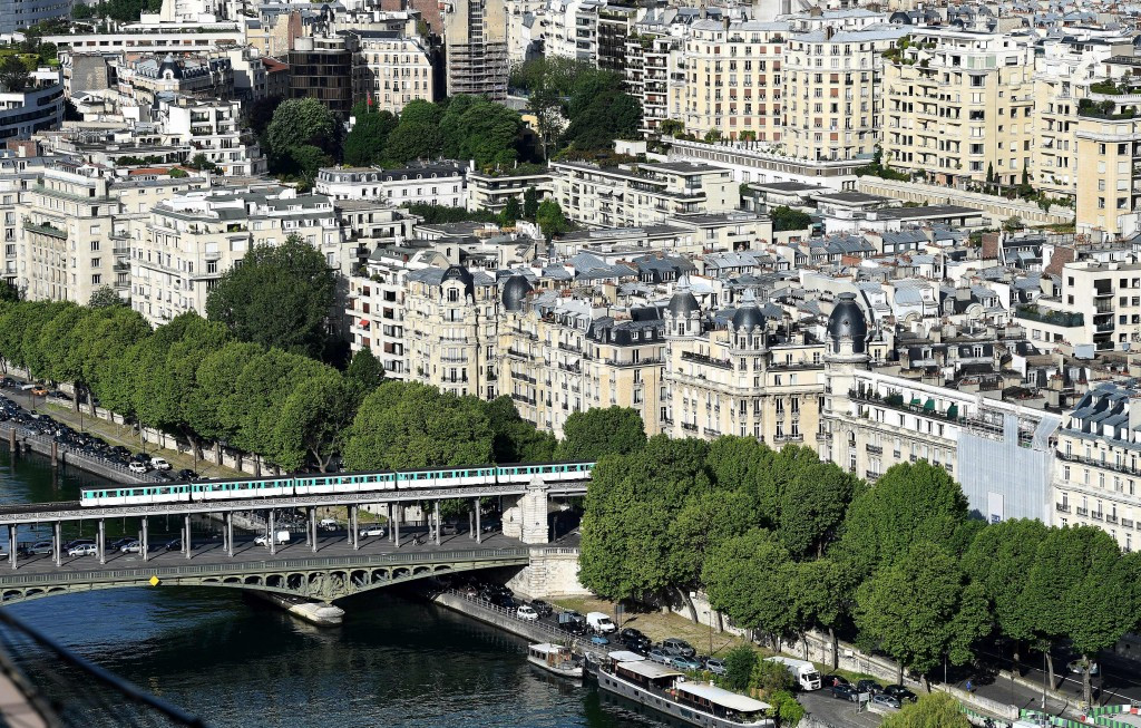 Proposed venues for open water swimming, triathlon, marathon and road cycling, beach volleyball and archery in the centre of Paris ©Getty Images