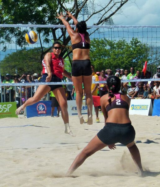 American Samoa sealed a place in the beach volleyball gold medal match by beating Tahiti 2-1 ©Port Moresby 2015