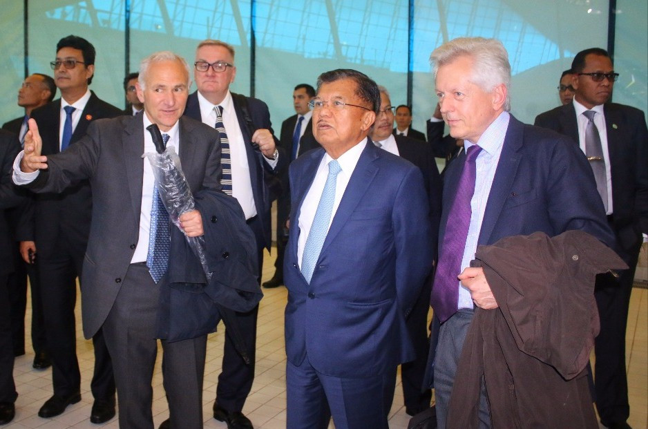 HE Muhammad Jusuf Kalla toured the Queen Elizabeth Olympic Park ©Embassy of the Republic of Indonesia