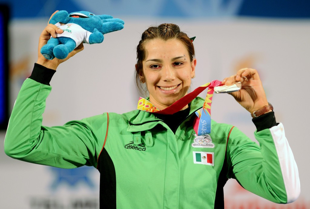 Mexican weightlifter Cinthya Dominguez, winner of a silver medal Guadalajara 2011, has failed a drugs test, the Pan American Sports Organization has confirmed in Toronto today