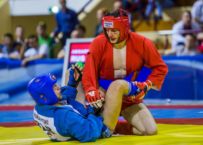 Ovanes Abgaryan beat Belarus' Eduard Muravitski in the combat sambo 74kg final as Russia claimed a clean sweep of the three gold medals on offer today in the discipline ©FIAS