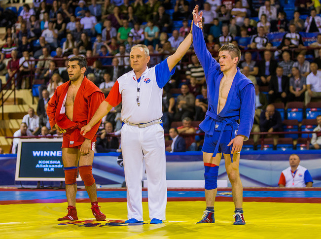 Belarus' Aliaksandr Koksha delighted the home crowd with victory over Azerbaijan's Emil Hasanov in the men's 68kg final ©FIAS