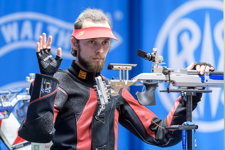 Kamenskiy breaks world record to secure gold at ISSF World Cup