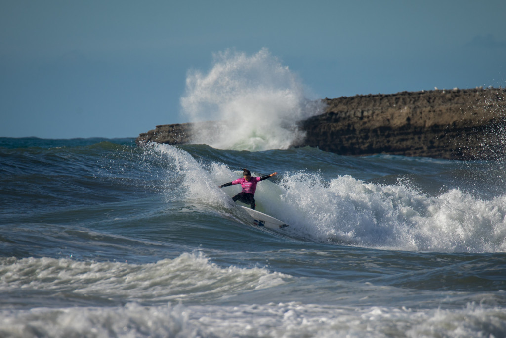 France's Defay impresses on opening day of World Surfing Games