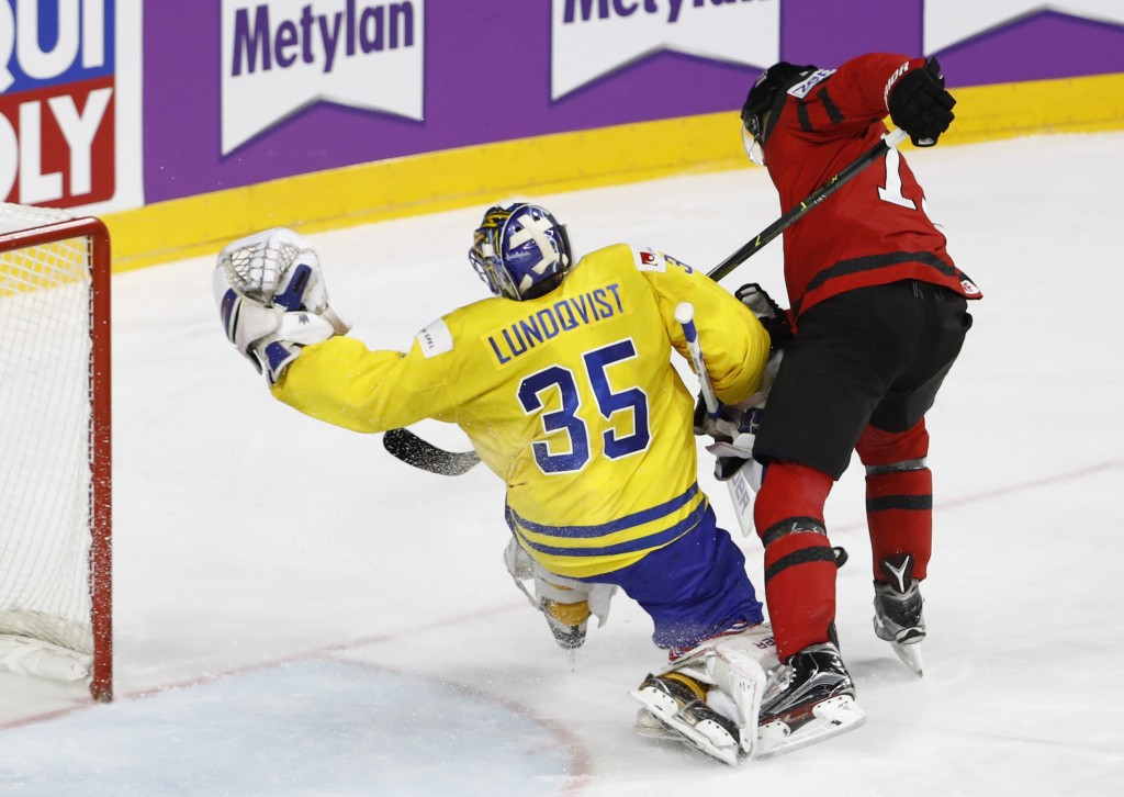 Swedish goalkeeper Henrik Lundqvist saved all four Canadian shoot-out attempts ©Getty Images