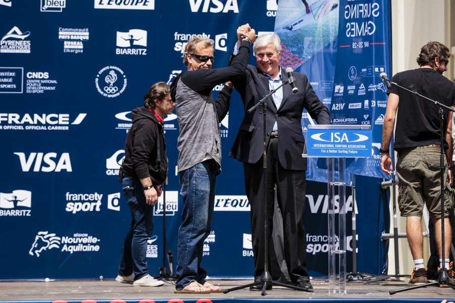 Tom Curren, left, is an honorary patron of the 2017 World Surfing Games ©ISA